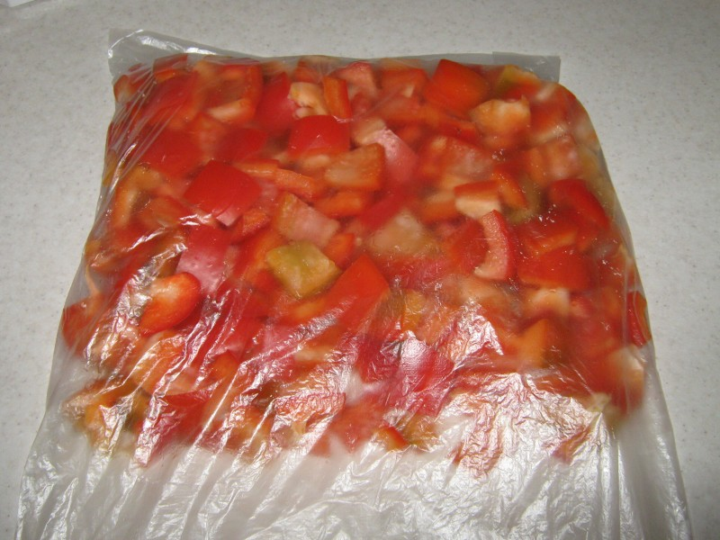Как правильно  заморозить перец болгарский  на зиму в домашних условиях.