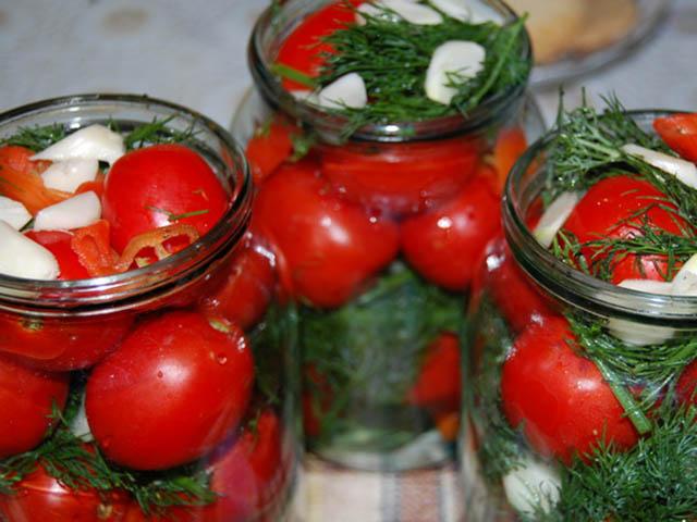 Маринованные помидоры на зиму в банках, очень вкусные рецепты