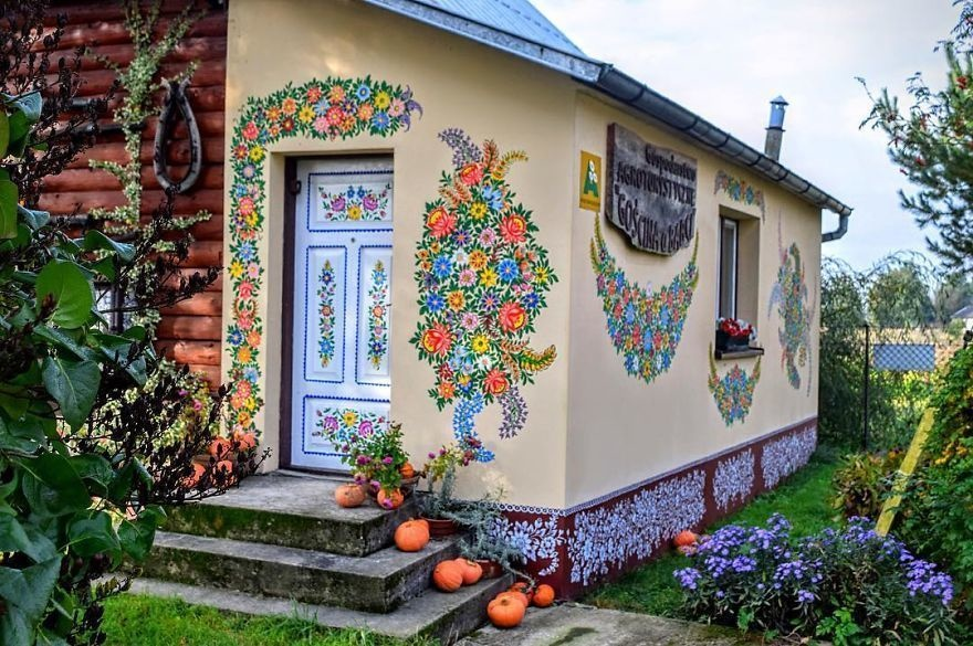 Как можно украсить фасад частного дома и его двор к новому 2020 году своими руками: лучшие фото и видео идеи как красиво и недорого украсить загородный дом