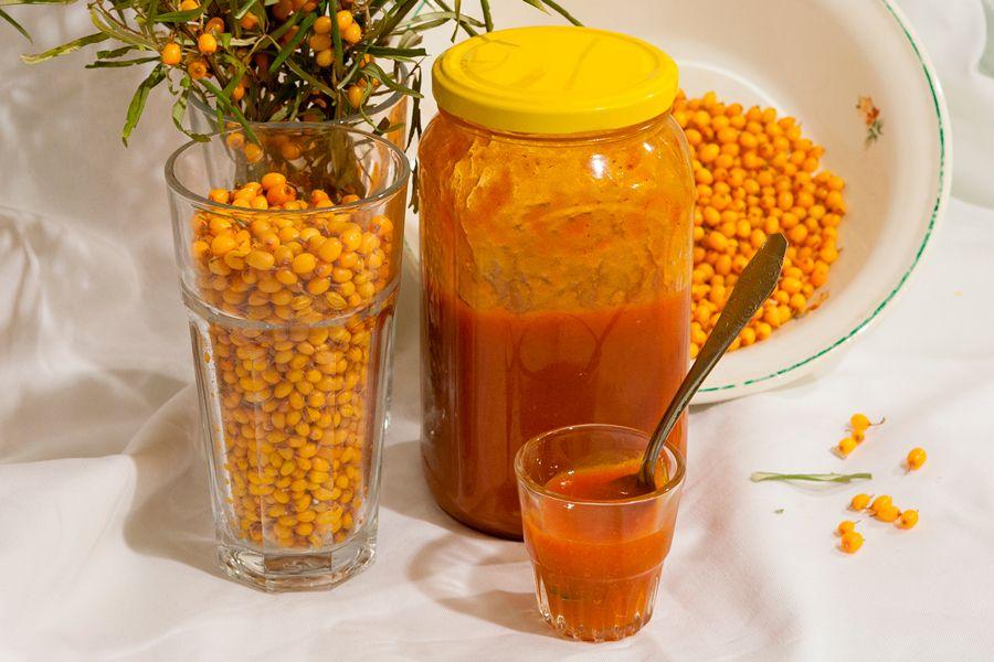 Облепиха с сахаром на зиму без варки - полезные свойства, способы хранения и рецепты протертых ягод, замороженных