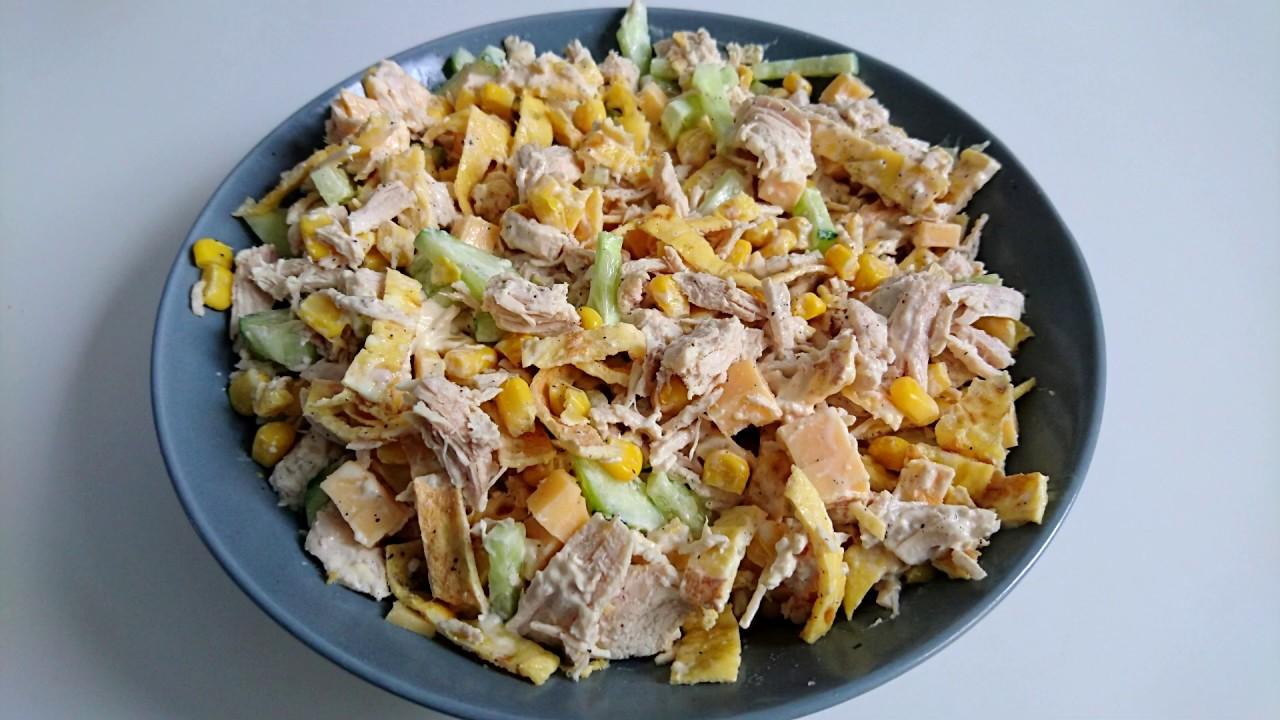 Салат разбойничий с курицей и блинами чесноком. салат блинный с копченой курочкой | дачная жизнь