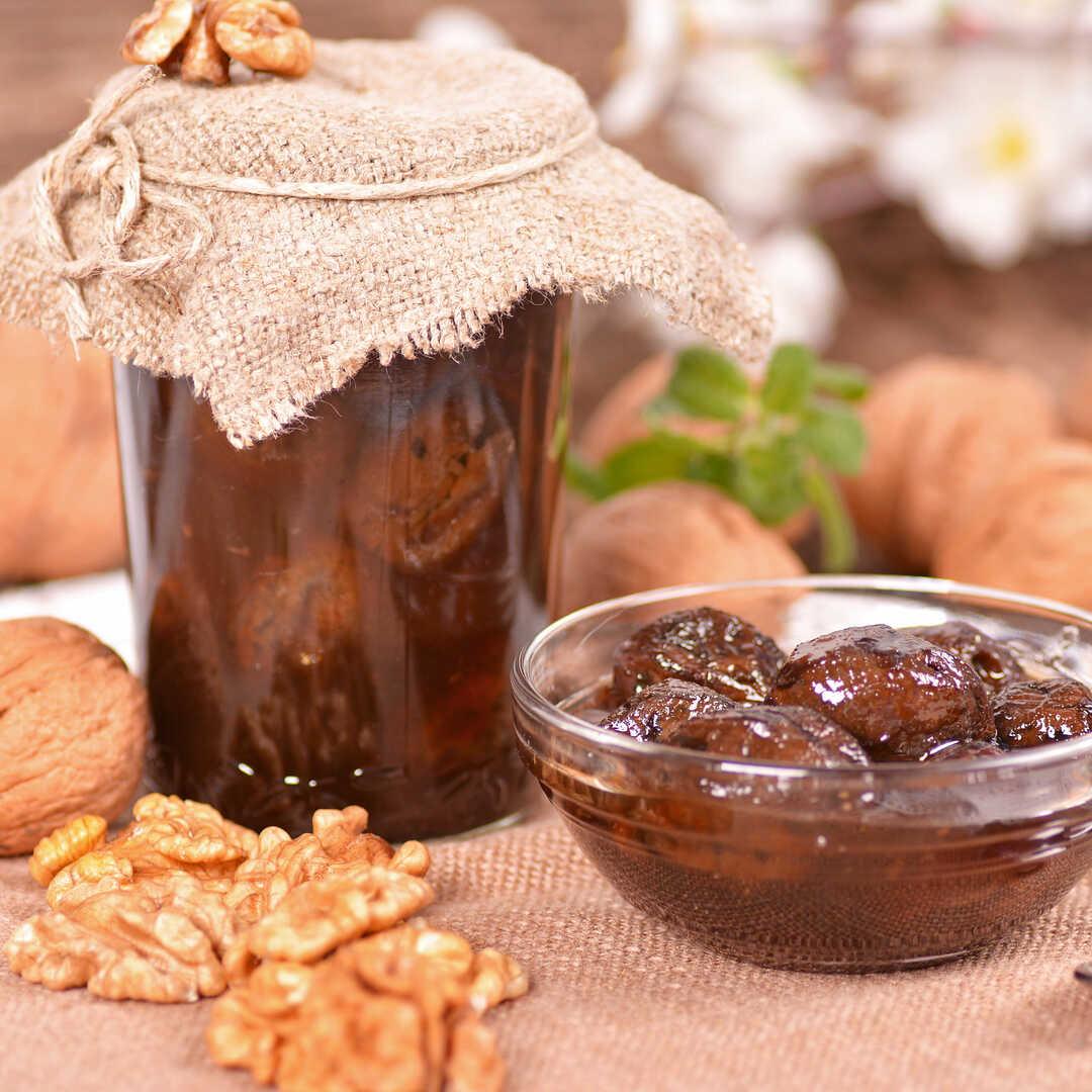 Варенье из грецких орехов: рецепты с фото пошагово