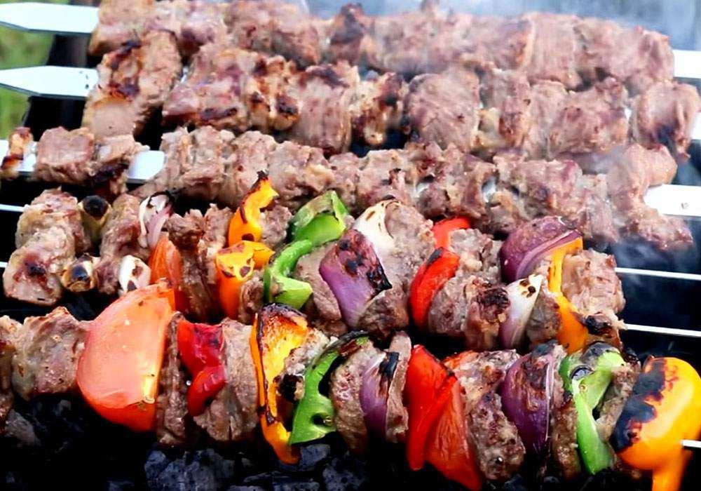 Классический маринад для шашлыка из свинины, рецепт приготовле-ния