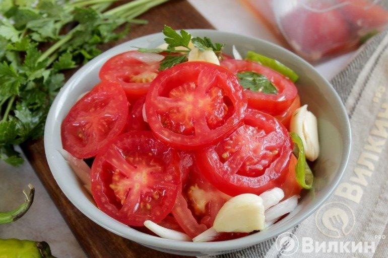 Салат из помидоров с луком на зиму — пошаговый рецепт с фото и видео