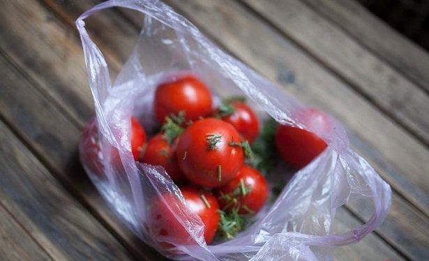 Малосольные помидоры в пакете. быстрые рецепты за 5 минут