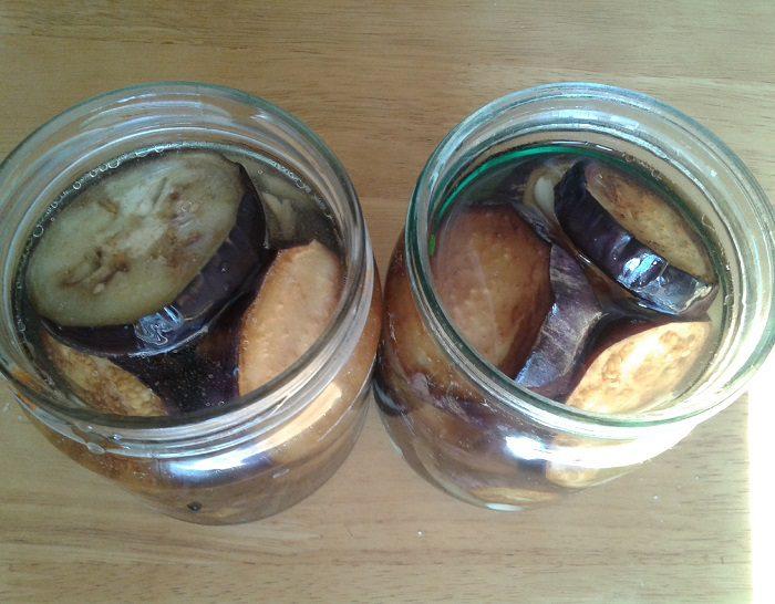 Баклажаны жареные на зиму с чесноком: рецепт с фото