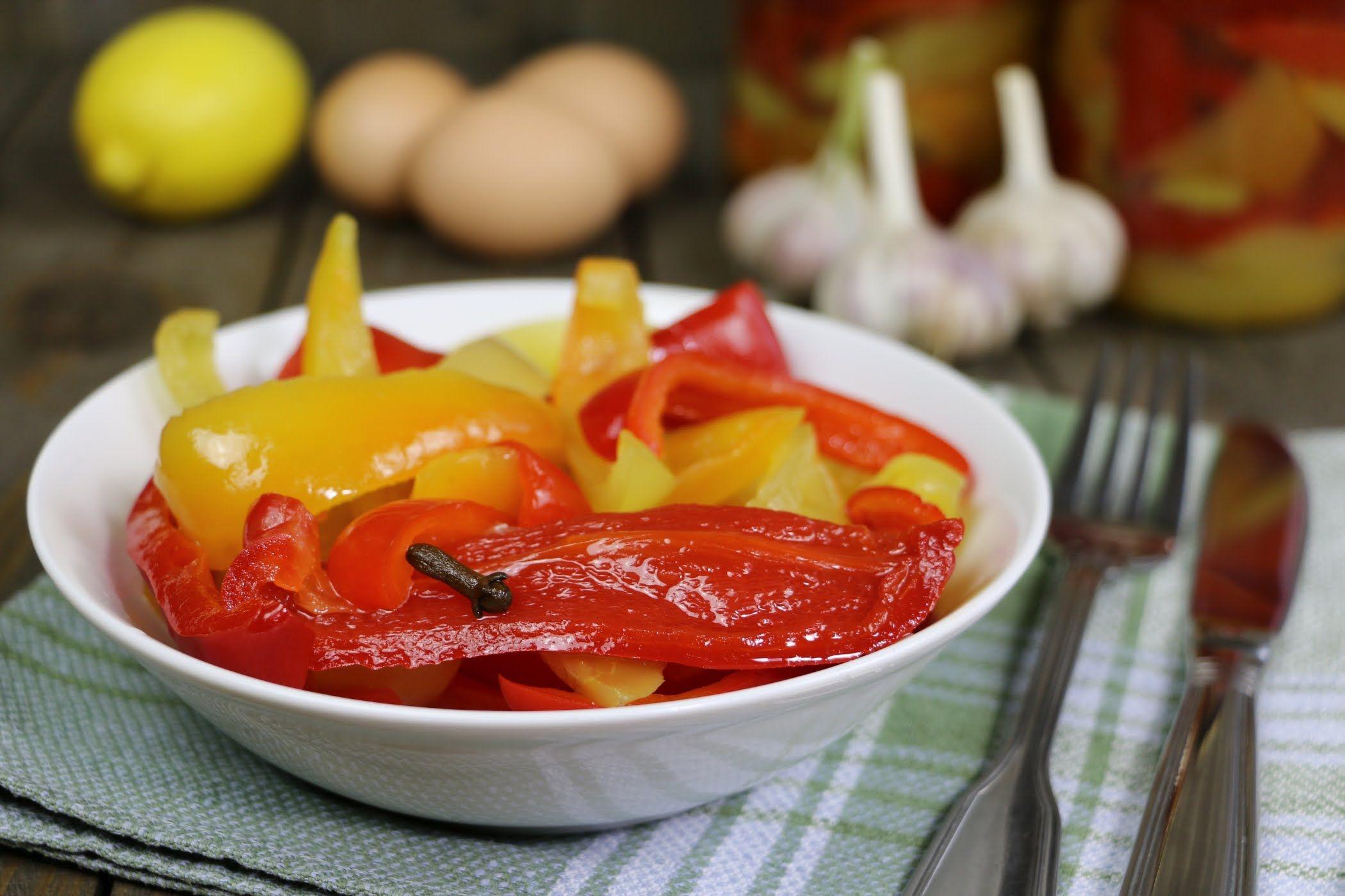 Сладкий маринованный перец на зиму без стерилизации и с ней: 11 супер-рецептов