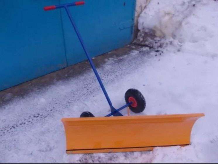 Отвал для мотоблока своими руками: как сделать снегоуборочную лопату из бочки, древесины