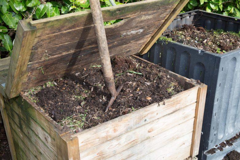 Удобрение перегноем: что это такое, когда лучше вносить в почву - осенью или весной?