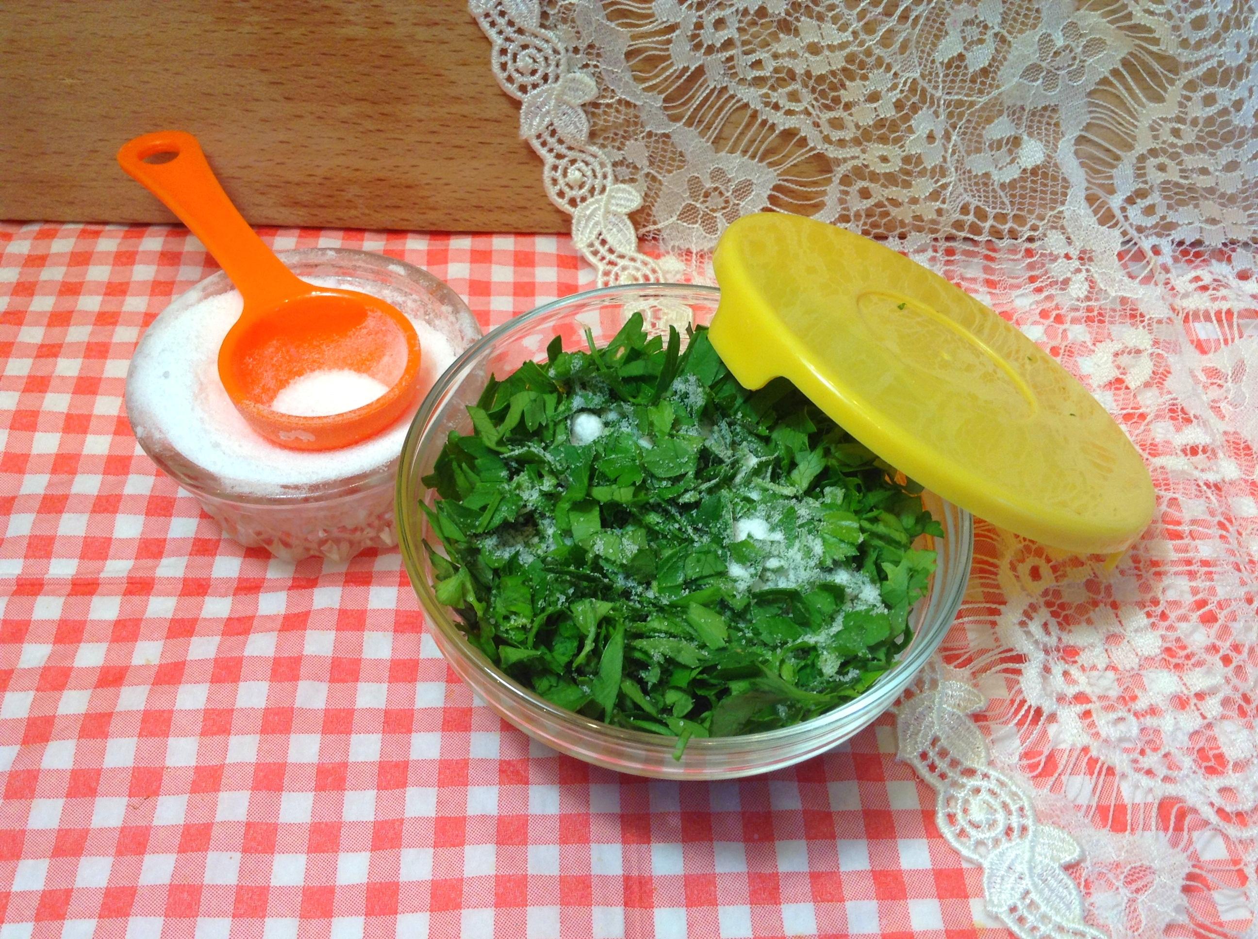 Лучшие способы заготовки петрушки на зиму в сухом, замороженном и консервированном виде