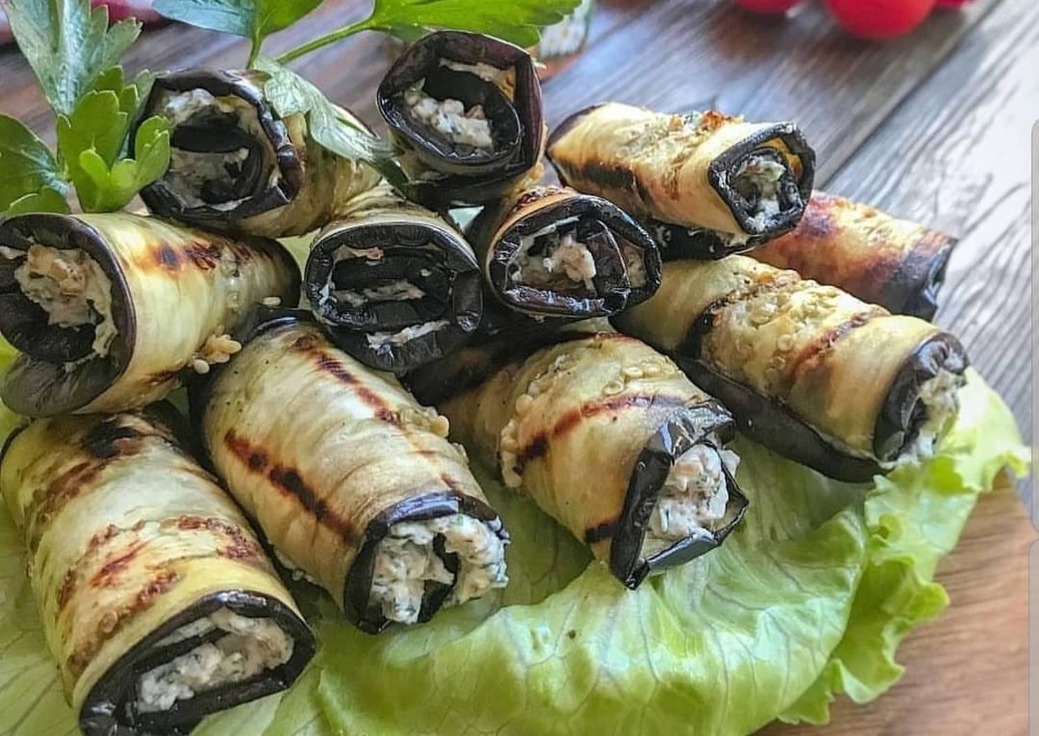 Рулетики из баклажанов на праздничный стол: рецепты с фото