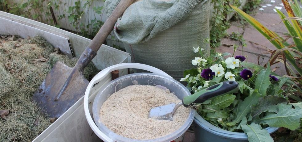 Костная мука как удобрение - как применять на огороде и для комнатных растений