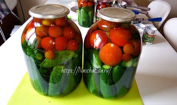 Ассорти из помидоров и огурцов - рецепты консервации на зиму