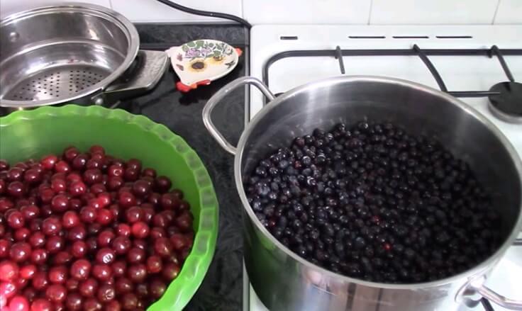 9 простых рецептов приготовления варенья из ирги на зиму