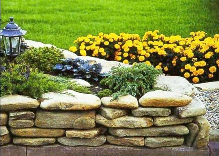 Как сделать красивые клумбы: используем садовый бордюр