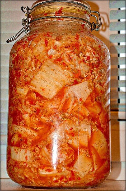 Сколько хранится пекинская капуста в холодильнике: как сберечь китайский салат свежим в домашних условиях, а также можно ли замораживать заготовку для голубцов? русский фермер