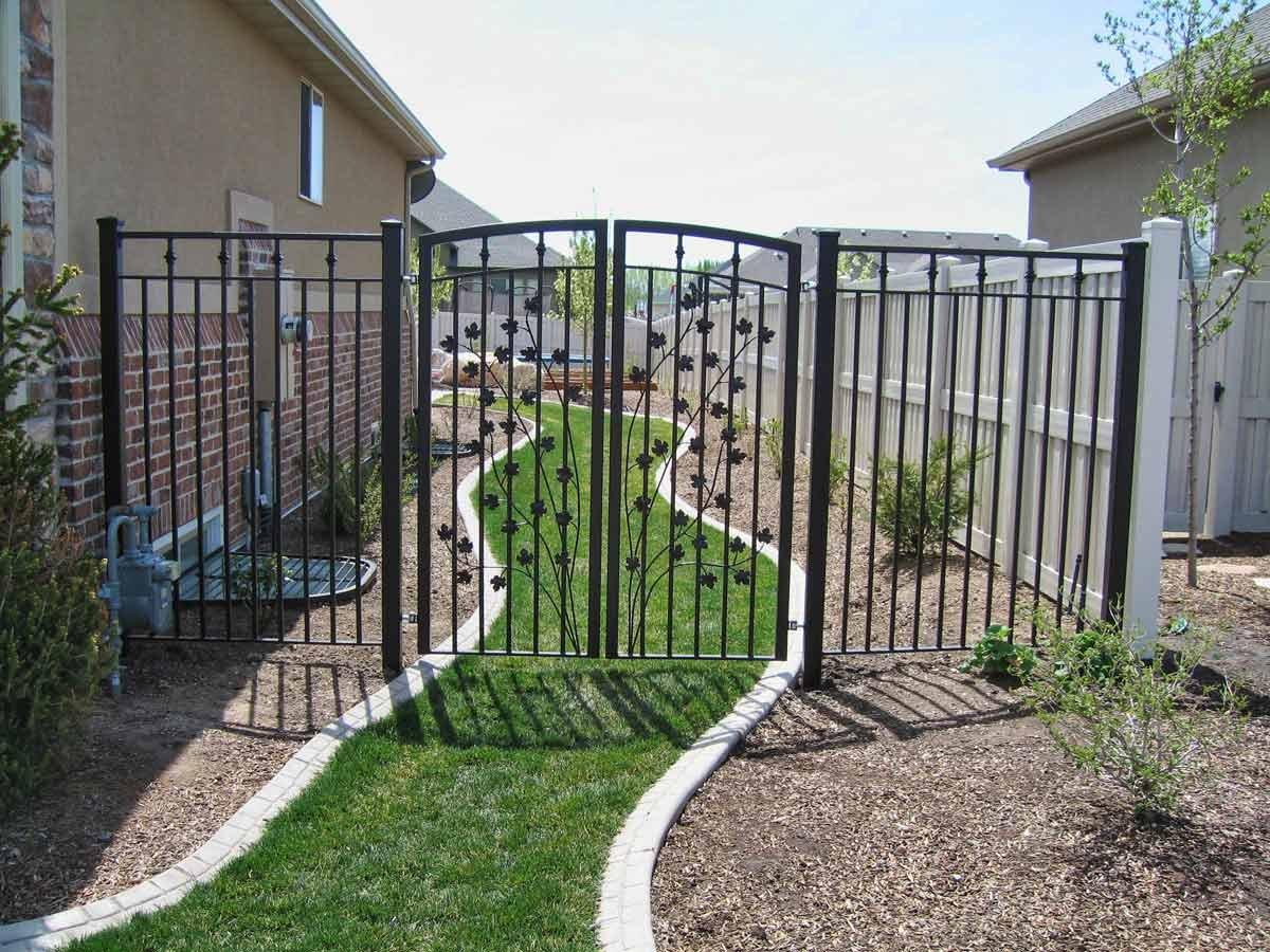 Как сделать кованый забор – важные аспекты создания и установки