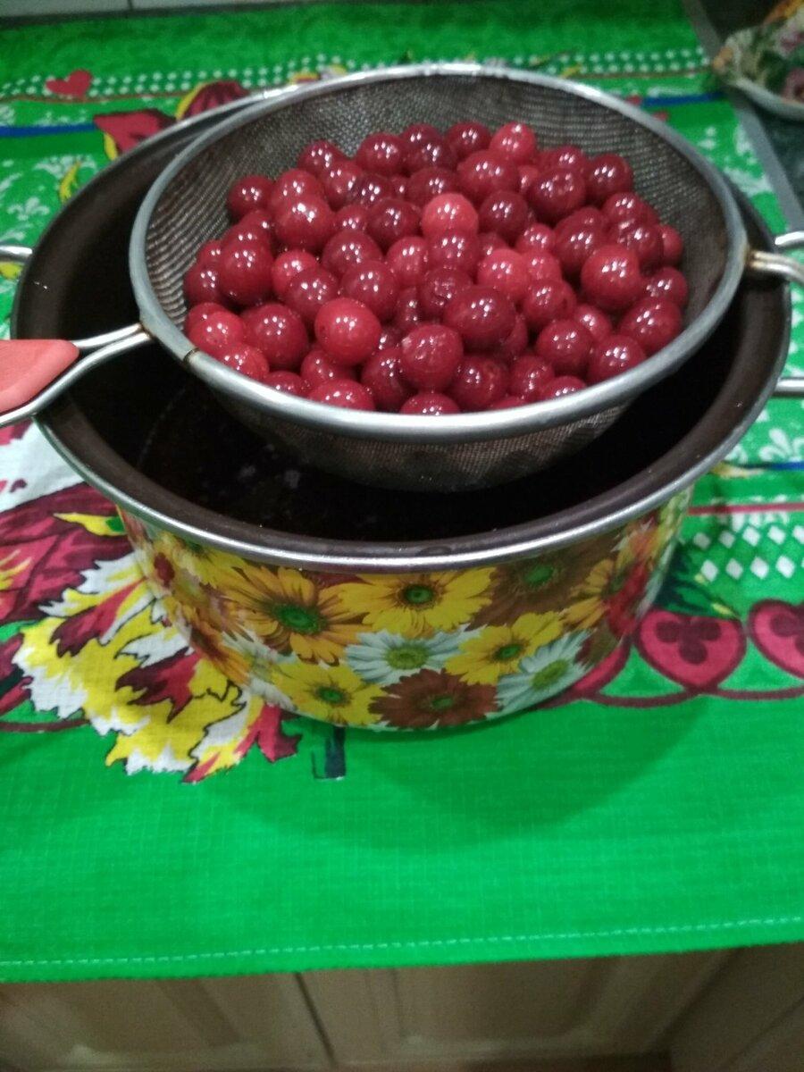Брусника моченая на зиму: рецепты ягод с сахаром и без варки