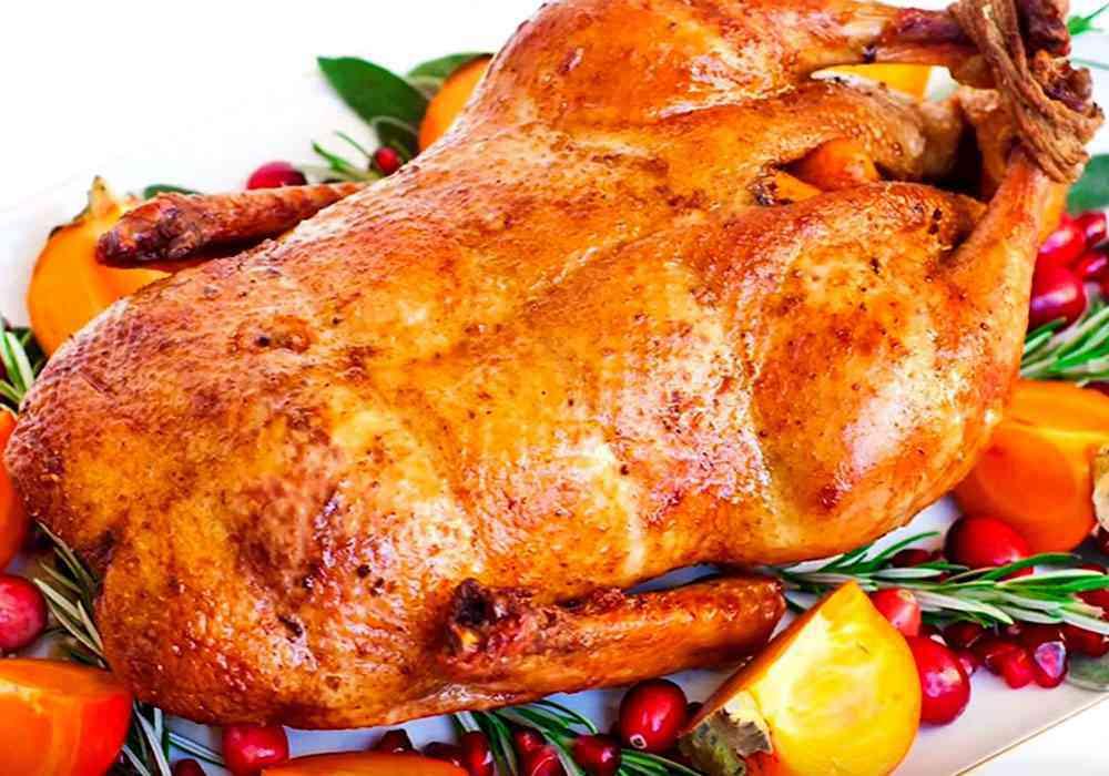 Мягкая и сочная утка в духовке — 10 рецептов приготовления в домашних условиях
