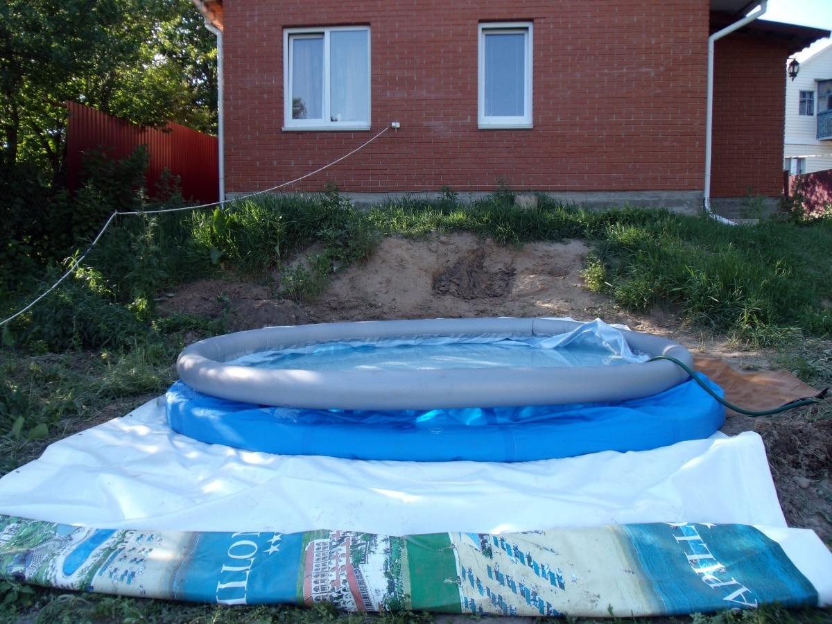 Зачем и чем накрывать надувной бассейн?