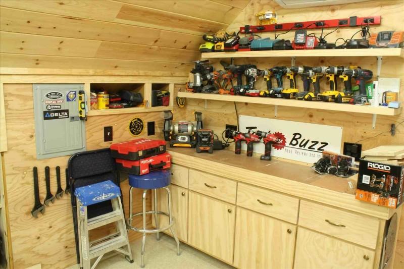 Как обустроить рабочее место в гараже
