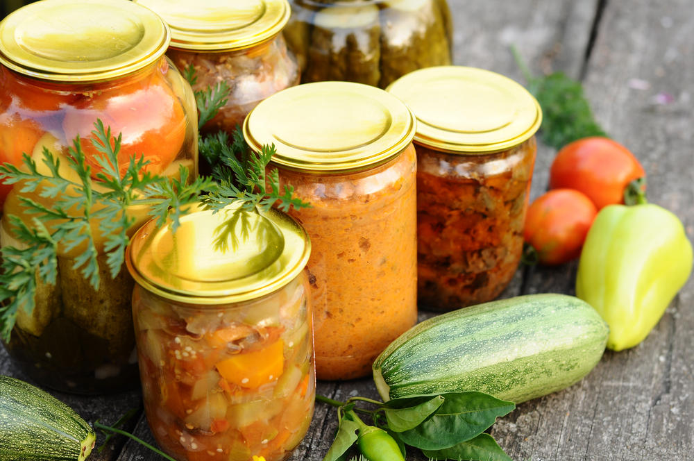 Закуски на зиму: топ 16 вкусных пошаговых рецептов приготовления, сроки хранения