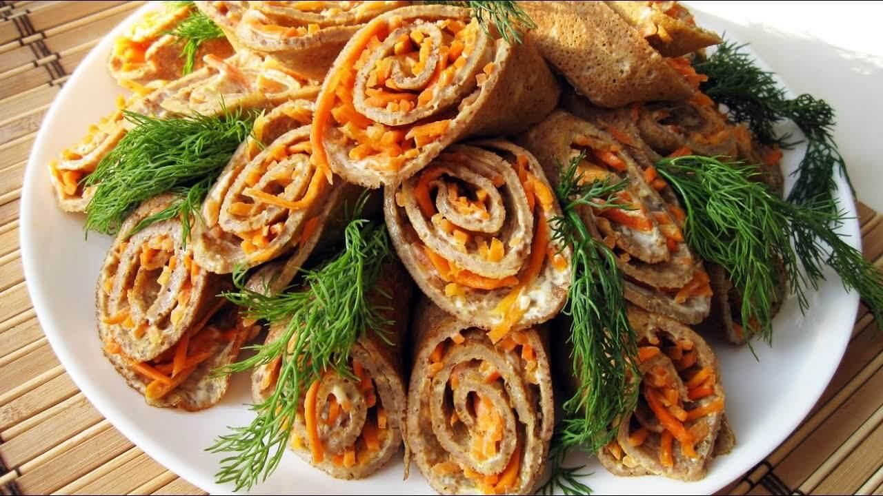 Салат букет роз блины с курицей, грибы и корейская морковь
