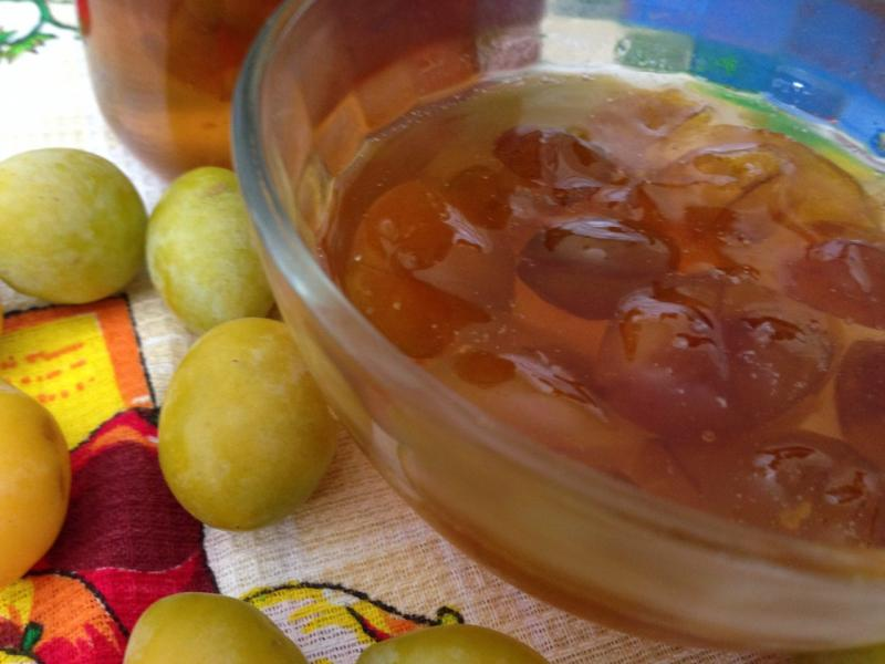 Как заготовить алычу на зиму: 11 простых рецептов