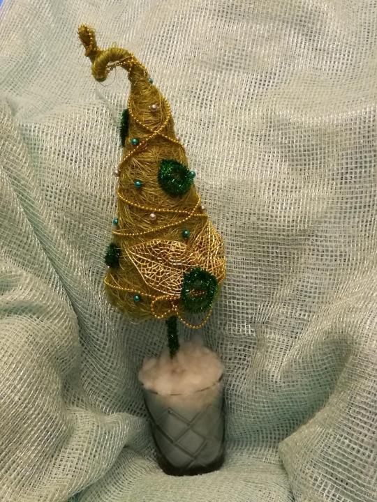 Топиарий-елочка: новогодние, из органзы, из кофейных зерен, как сделать своими руками, мастер-класс пошагово, фото, видео