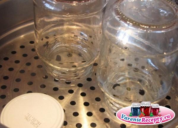 Стерилизация банок в микроволновке с водой и без воды, в духовке, в воде и на пару