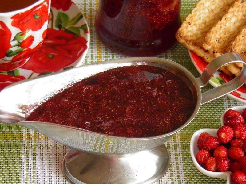Пятиминутка – быстрое варенье из клубники: заготавливаем на зиму по простым рецептам