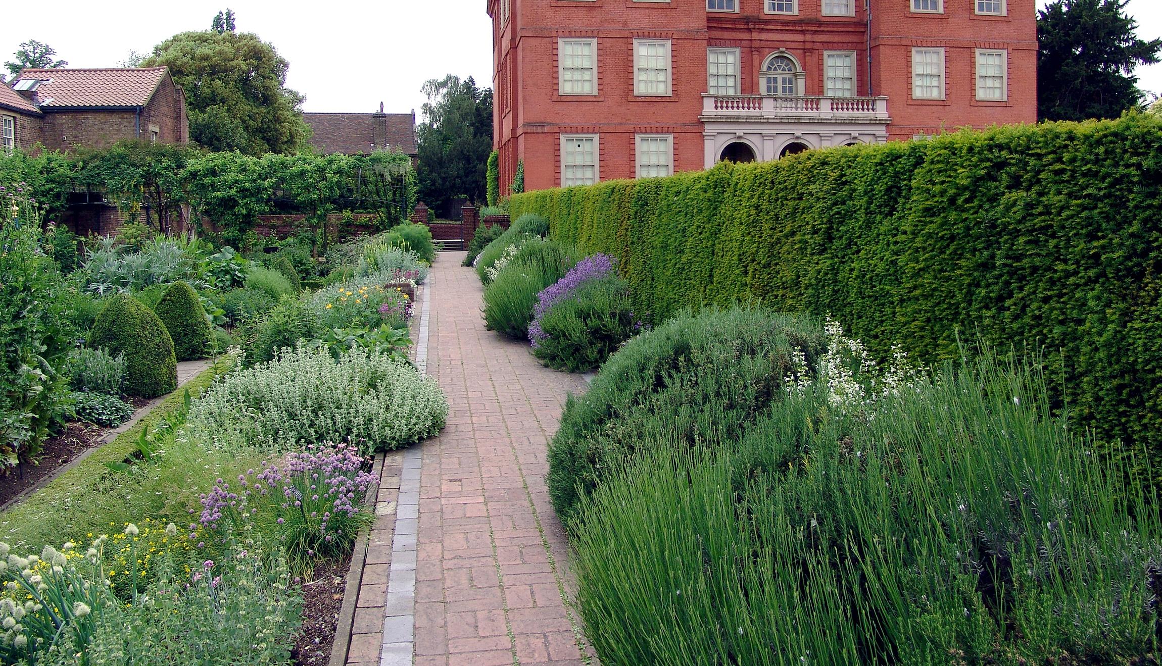 Английский сад: виды пейзажного стиля, особенности ландшафтного дизайна, цветовой баланс парка