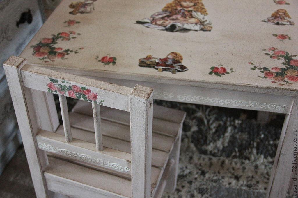 Декупаж мебели - как сделать стильной и как оформить правильно старую мебель (135 фото)