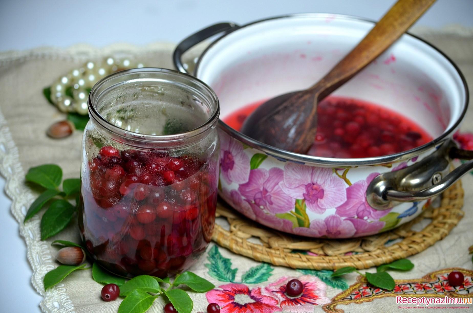Самые простые рецепты варенья из клюквы на зиму