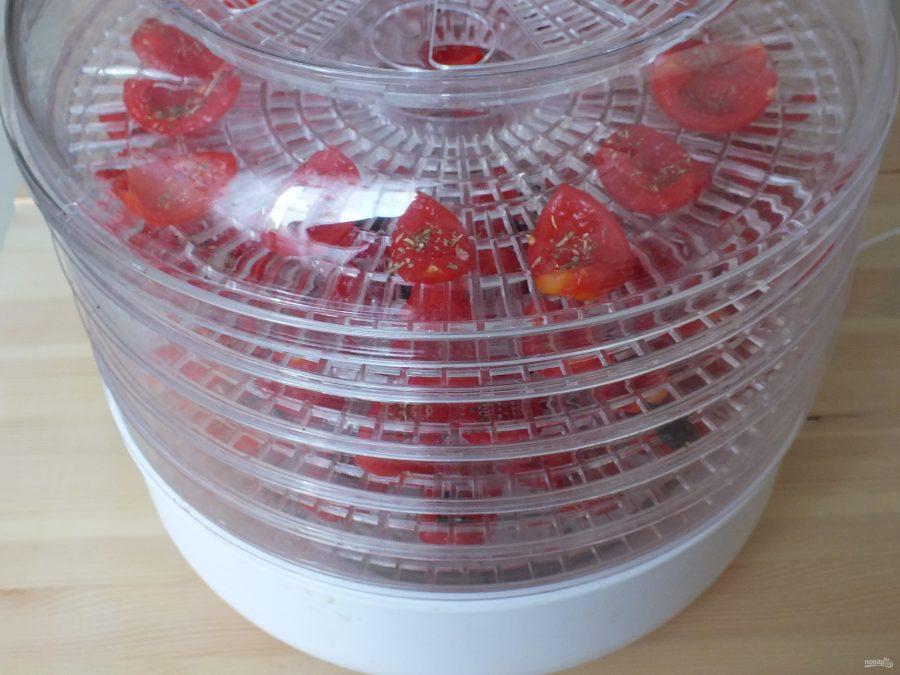 Приготовление вяленых помидоров на зиму в сушилке