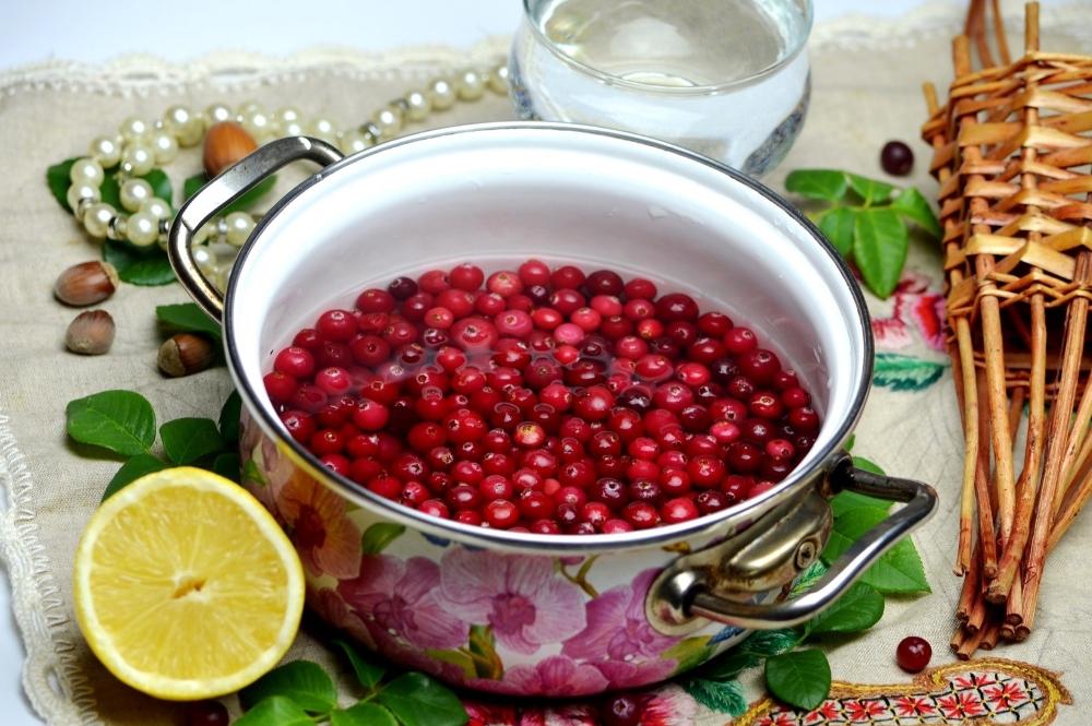 Варенье из клюквы на зиму: простые рецепты и комбинированные, тонкости приготовления, полезность десерта