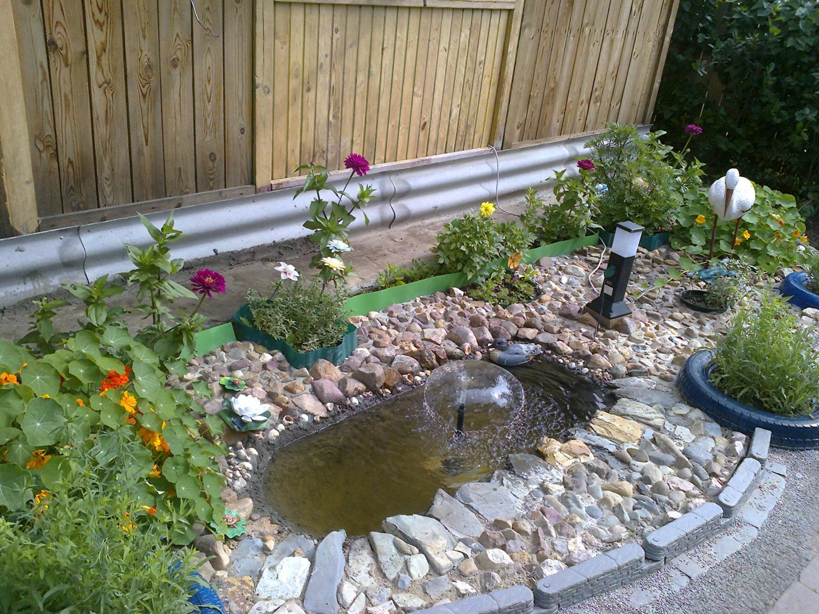 Пруд из ванны: пошаговая инструкция и рекомендации