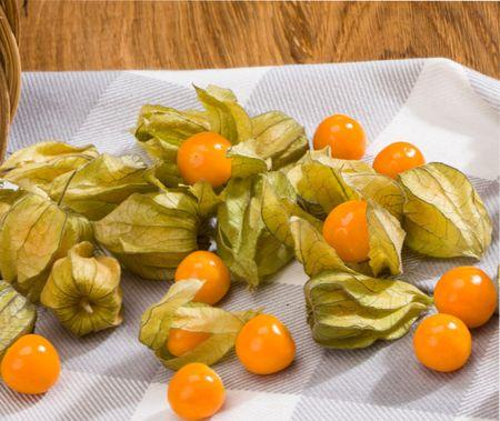 Физалис - 8 рецептов из земляничного и овощного физалиса