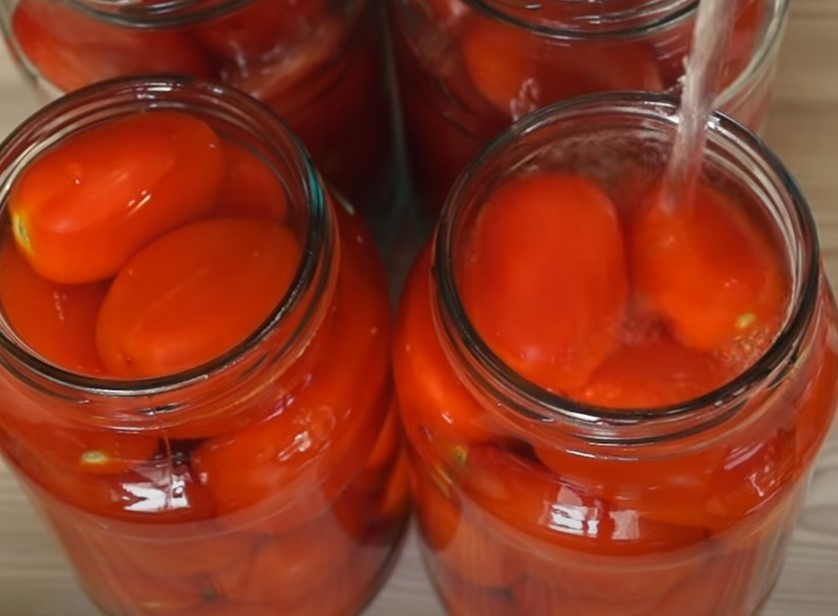 Помидоры в собственном соку на зиму: домашние рецепты пальчики оближешь