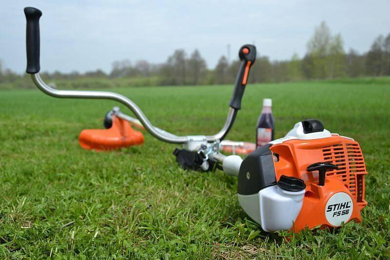 Как выбрать триммер для травы на даче