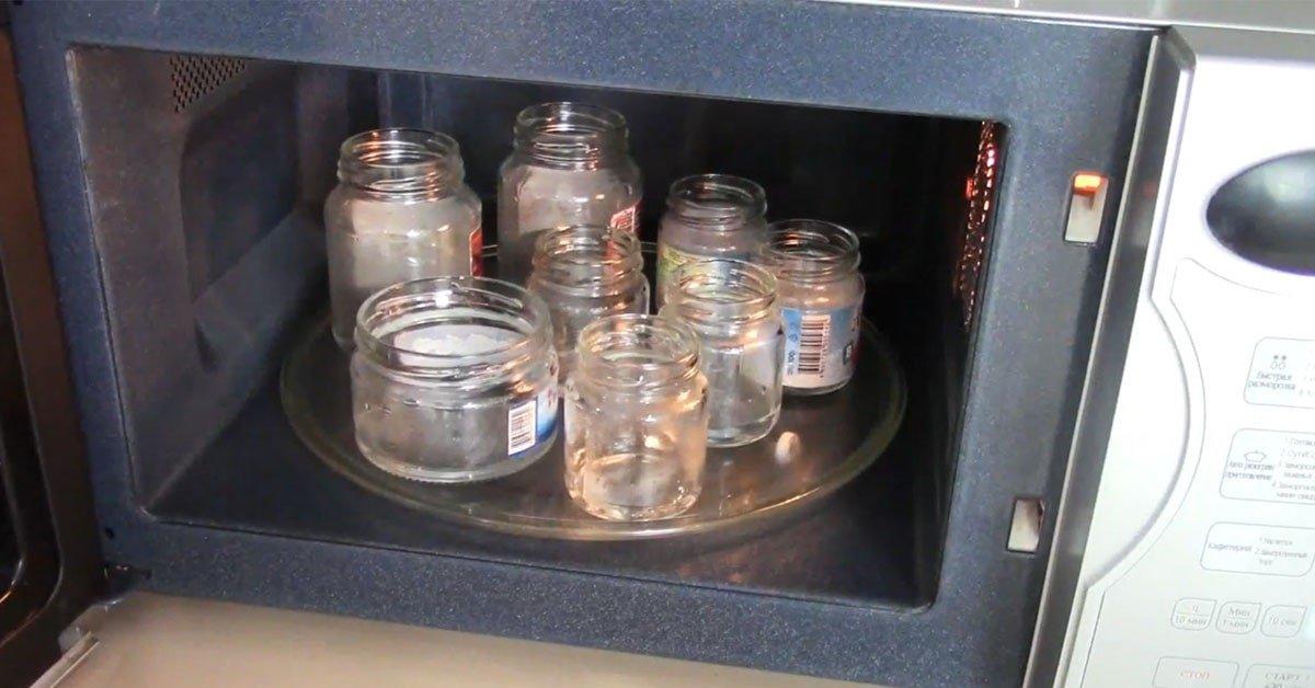 Стерилизация банок в микроволновке: без воды, с водой и с заготовками