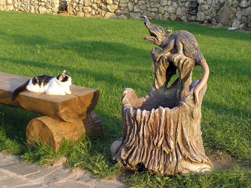 Скульптурный бетон для изготовления фигурок и камней в саду