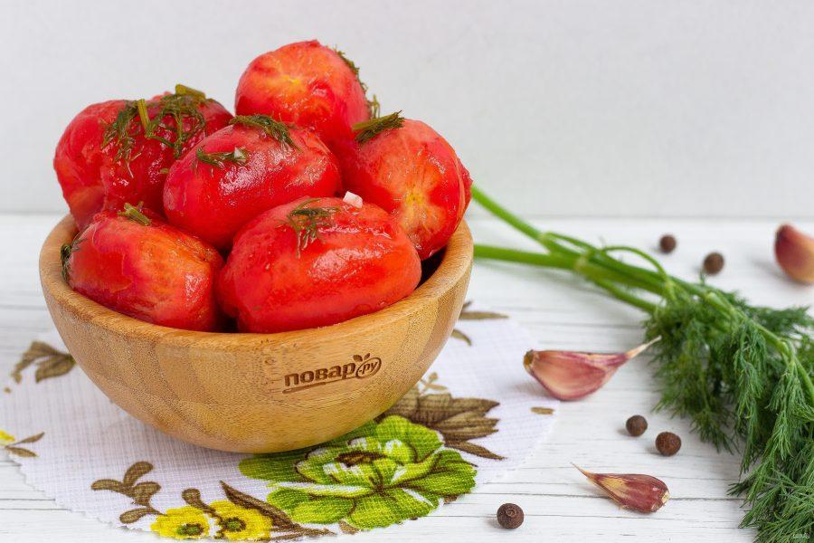 Малосольные помидоры в пакете с чесноком и укропом