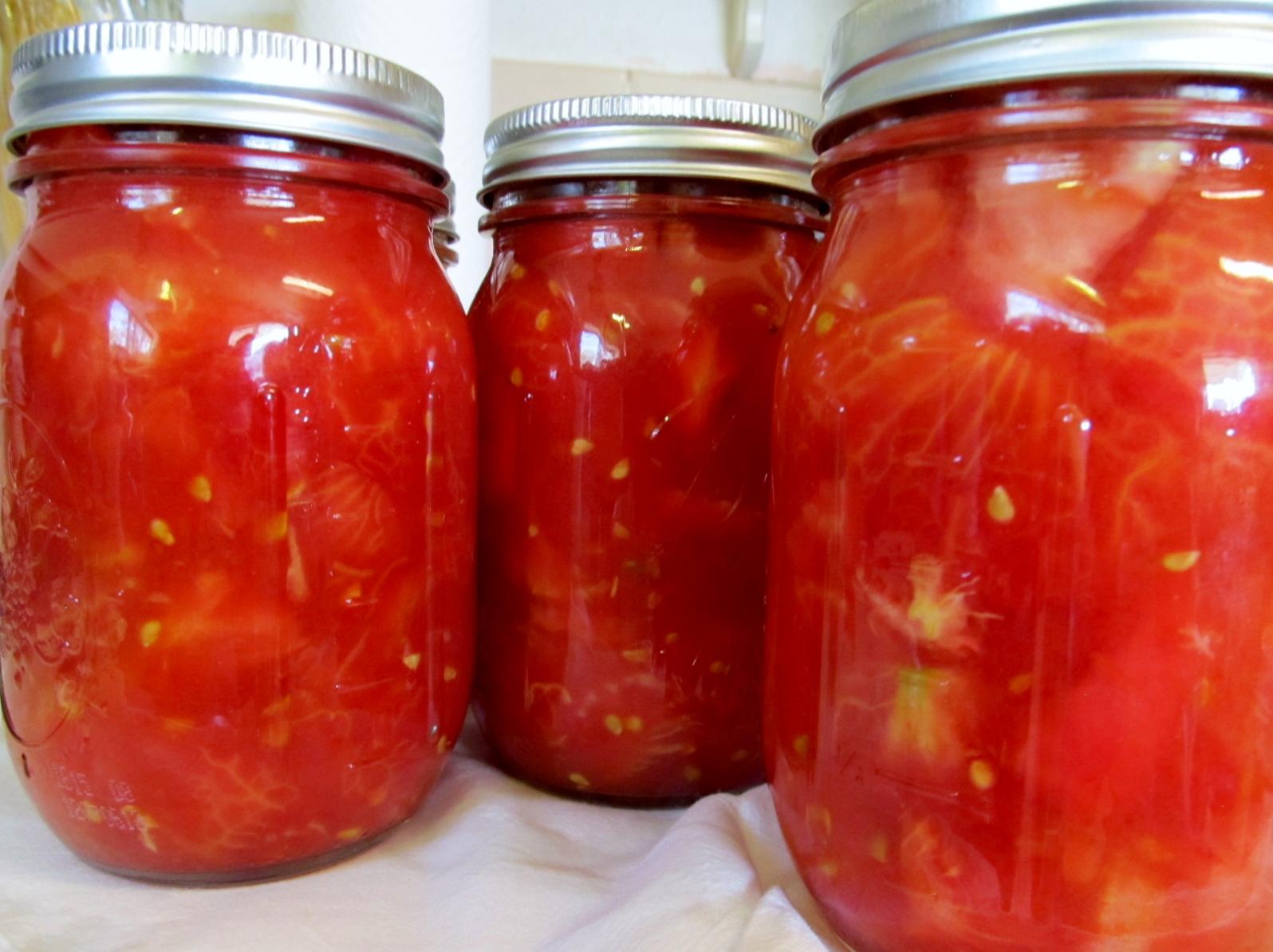 Приготовление помидоров в томатной пасте на зиму: лучшие рецепты. как приготовить помидоры острые, с желатином, зеленые, дольками, в томатной пасте и в томатном соусе: вкусный рецепт на зиму