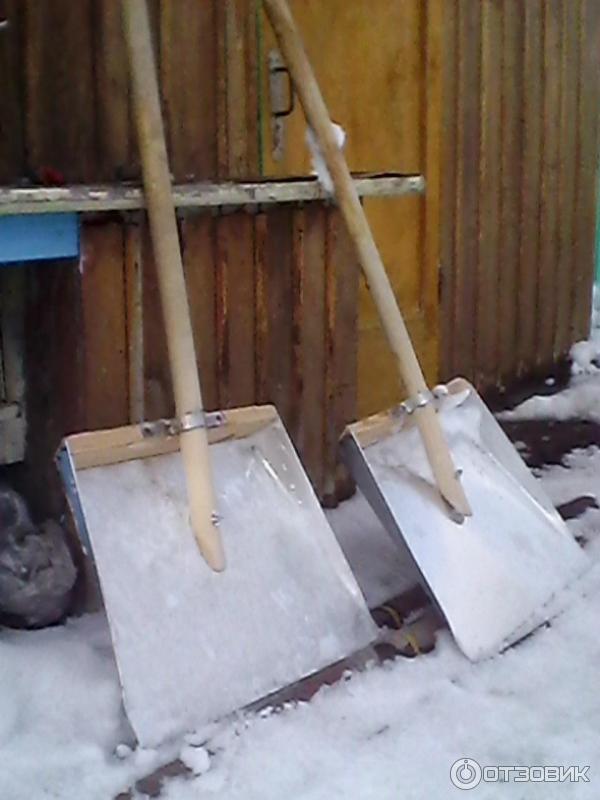 Автомобильная лопата: как выбрать модель в машину для уборки снега? особенности складных снеговых лопат с телескопическим черенком для автомобиля