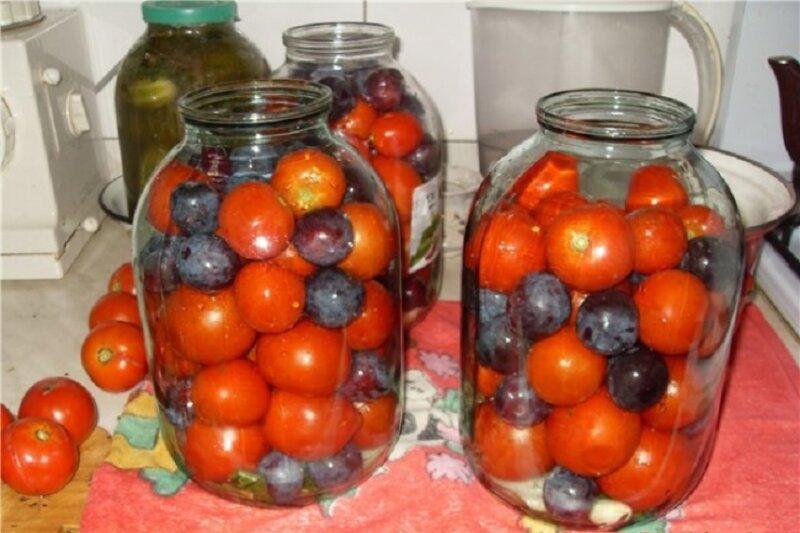 Помидоры со сливами на зиму - рецепты из бабушкиной копилки, маринуем, солим, консервируем помидоры со сливами