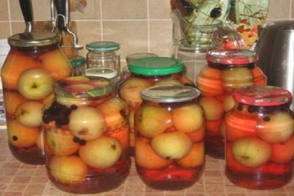 Вкусный компот из яблок на зиму: ингредиенты на 3 литровую банку