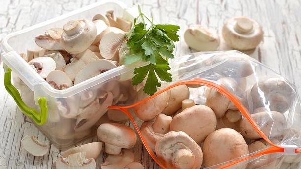 Способы хранения грибов на зиму. правильное и долгое хранение в морозилке | дачная жизнь