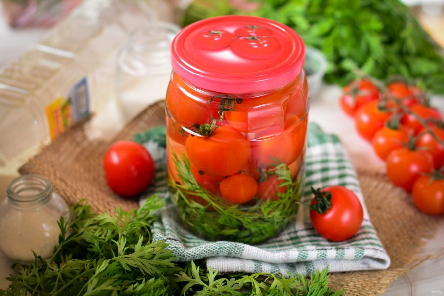 Рецепты маринованных помидоров с морковной ботвой на зиму на литровую банку и срок хранения