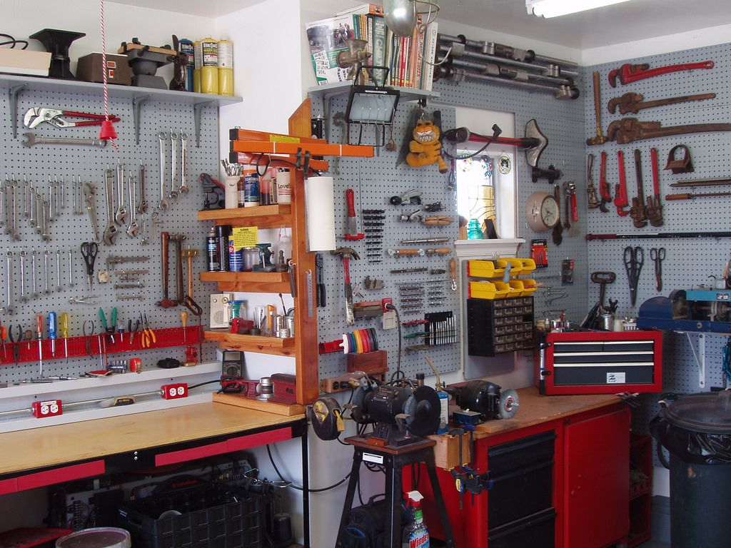 Небольшая столярка в гараже и как обустроить ее самостоятельно | stroimass.com